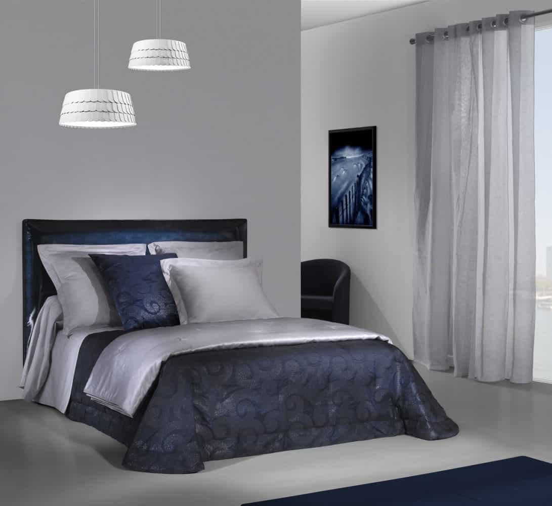etofea jet de lit matelass jet s et t te de lit sur. Black Bedroom Furniture Sets. Home Design Ideas