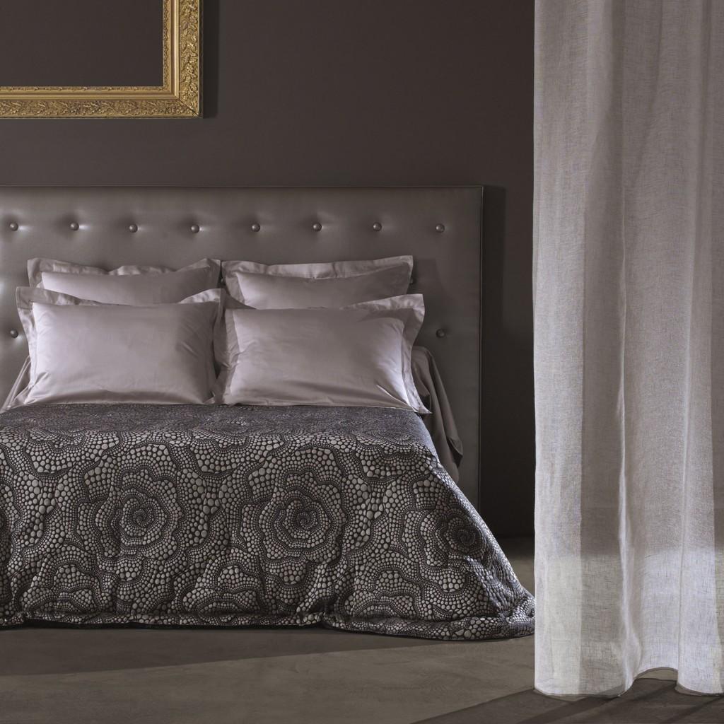 etofea jet de lit matelass jet s et t te de lit sur. Black Bedroom Furniture Sets. Home Design Ideas