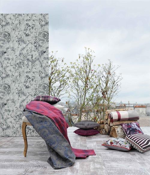 Damas Komodo et coussins thème hiver,   tissus ameublement Jean Paul Gaultier