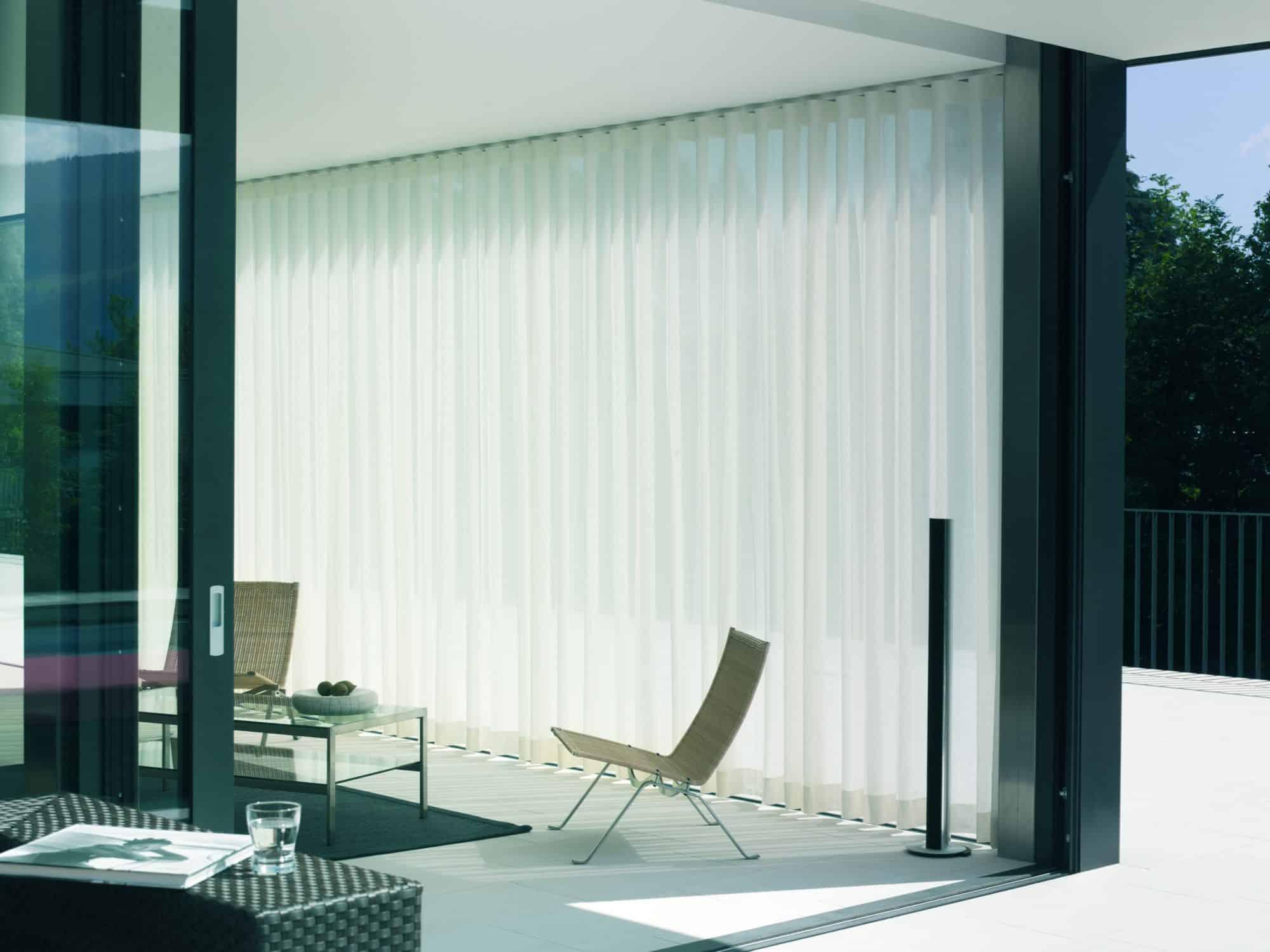 etofea un projet de rideaux sur mesure dans un duplex etofea. Black Bedroom Furniture Sets. Home Design Ideas