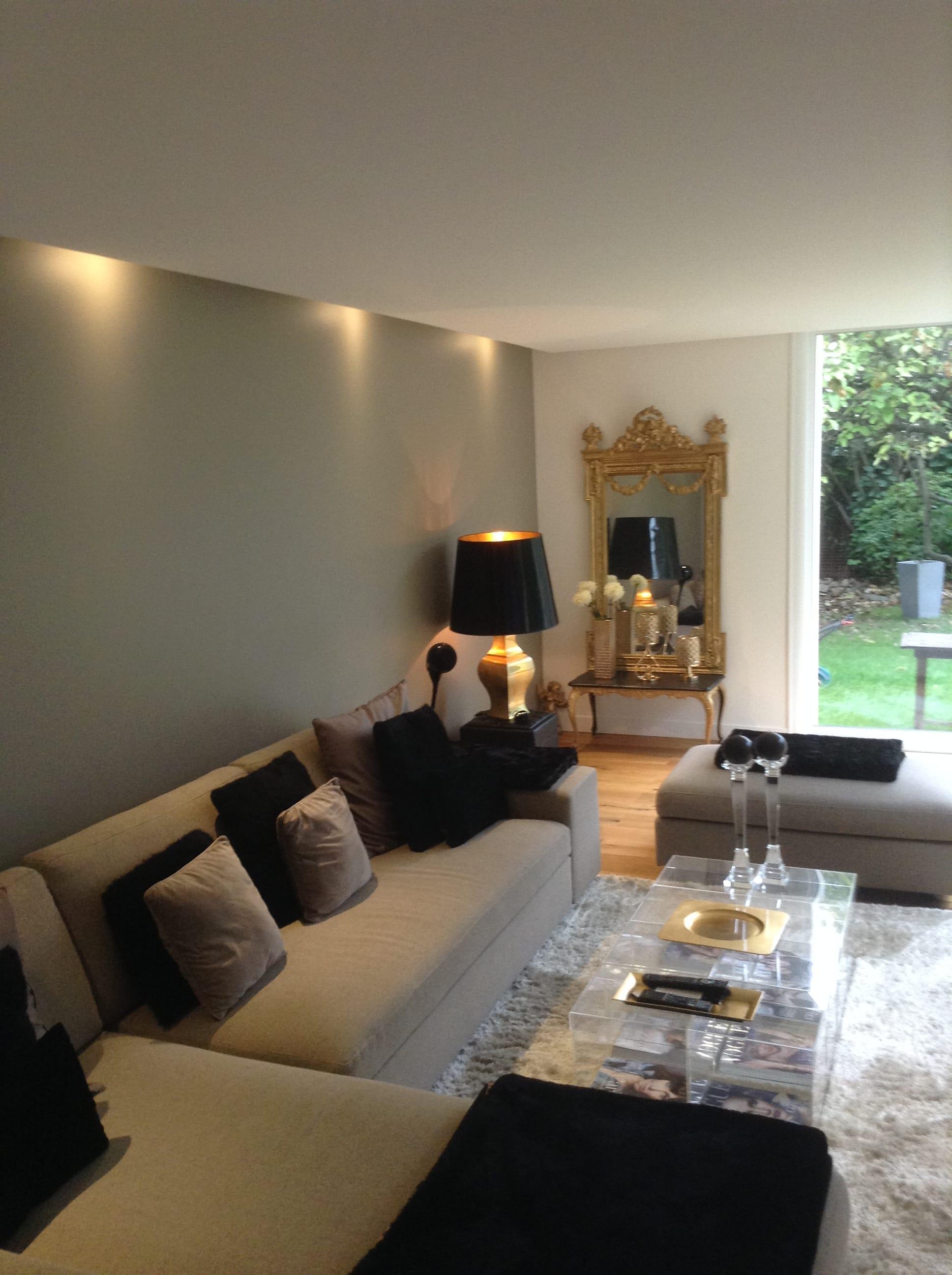 mur kaki et gris. Black Bedroom Furniture Sets. Home Design Ideas