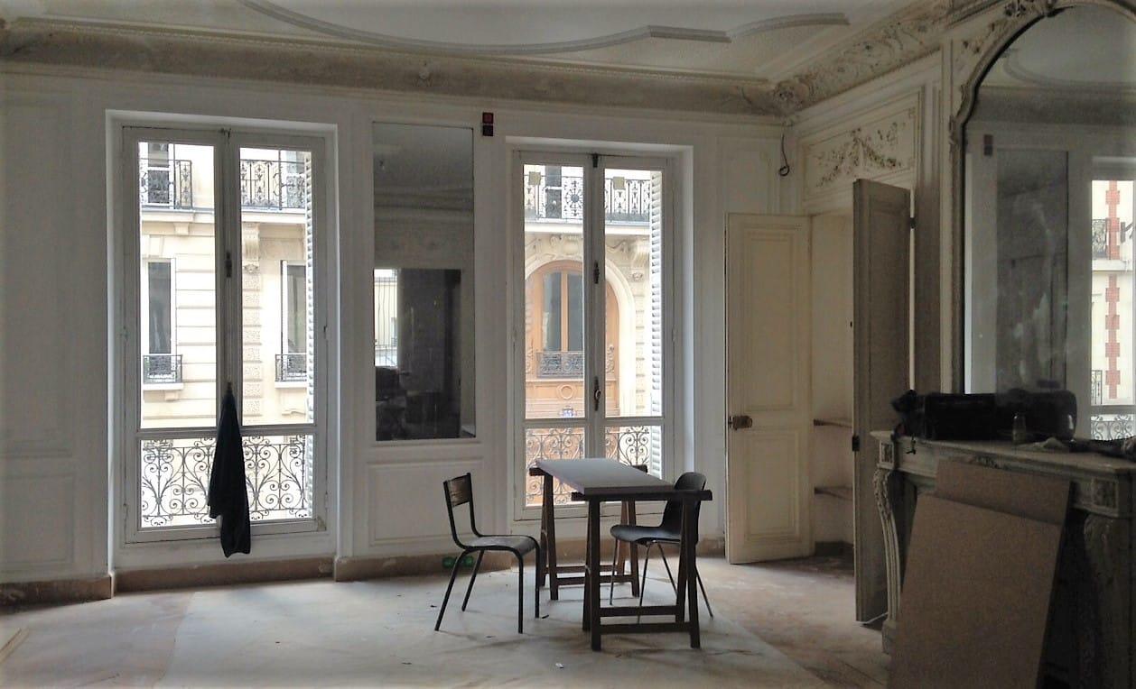 etofea des rideaux sur mesure haut de gamme pour un appartement haussmanien etofea. Black Bedroom Furniture Sets. Home Design Ideas