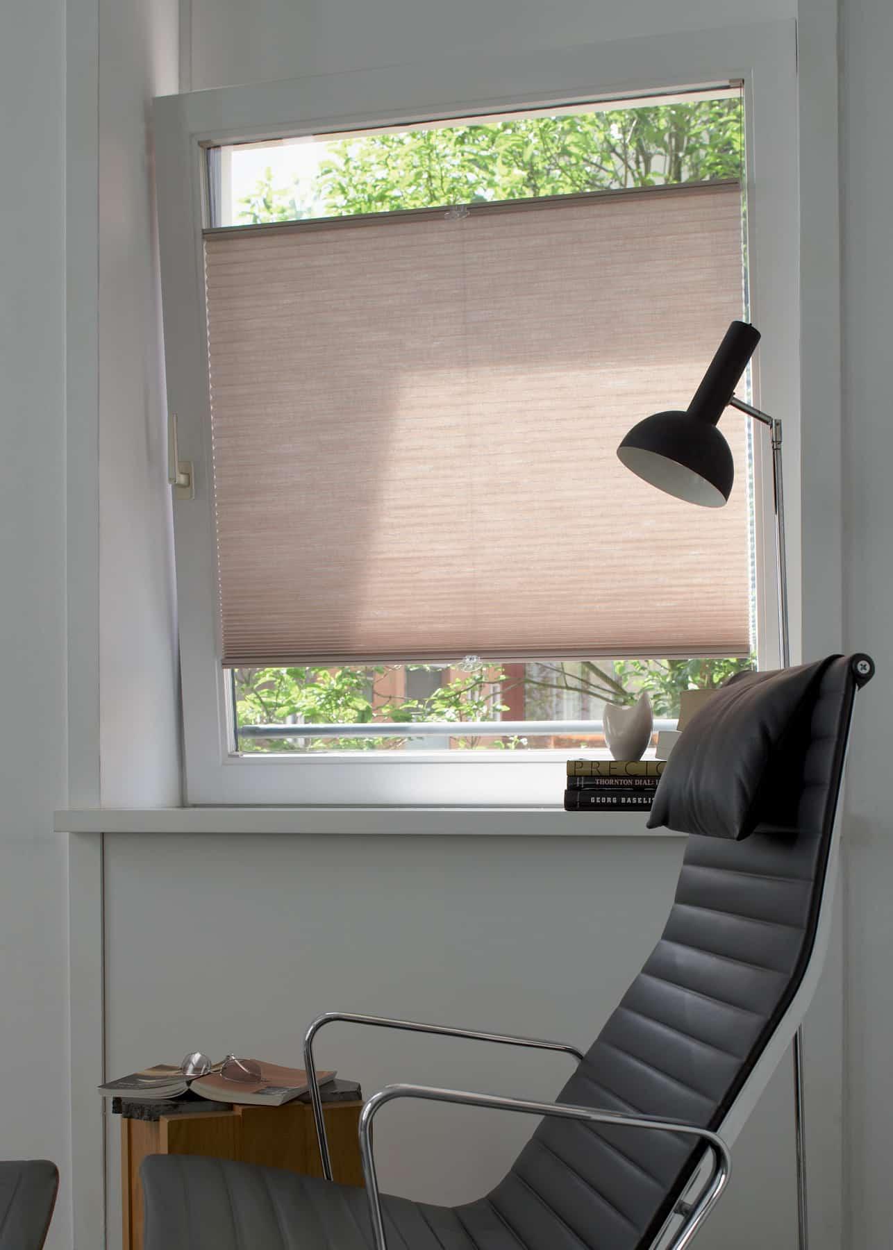 etofea les stores entre parclose luxaflex une nouvelle. Black Bedroom Furniture Sets. Home Design Ideas